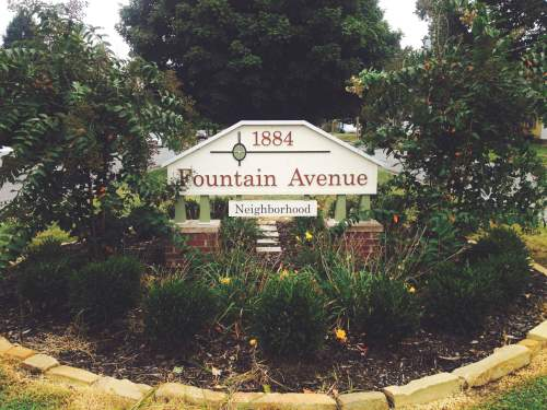 Fountain Avenue Sign